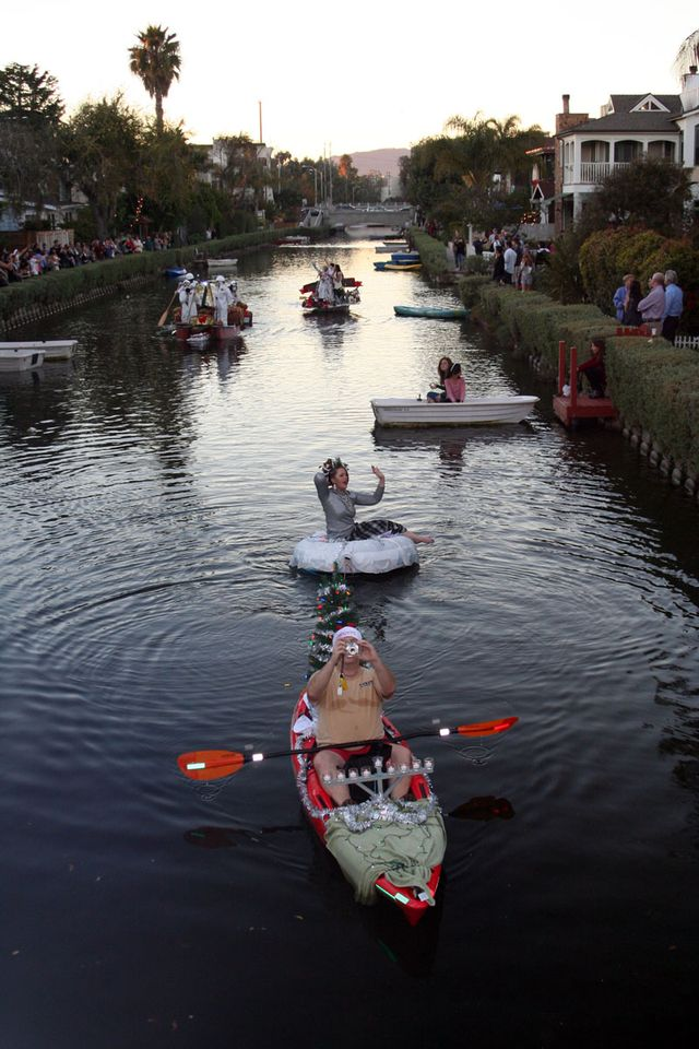 Mary_BoatParade_06